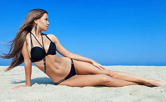 Как с помощью полотенца убрать обвисший живот и выпрямить спину