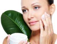 Шелушение кожи лица: причины и способы лечения
