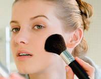 Нанесение пудры - завершающий этап макияжа
