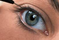 Процедура межресничного перманентного макияжа