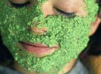 Отбеливающая маска из петрушки