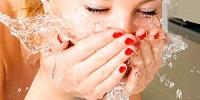 Умывание - важнейшая часть ухода за лицом